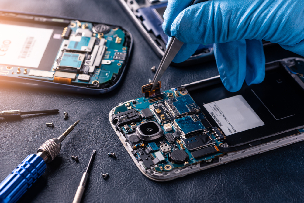 Common Phone Repairs That Are Cheaper Than a New Phone